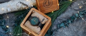 gift guide, holiday gift guide for him, christmas 2017, holiday 2017, watches, cologne, fragrance, significant other, husband, brother, father, christmas list shopping