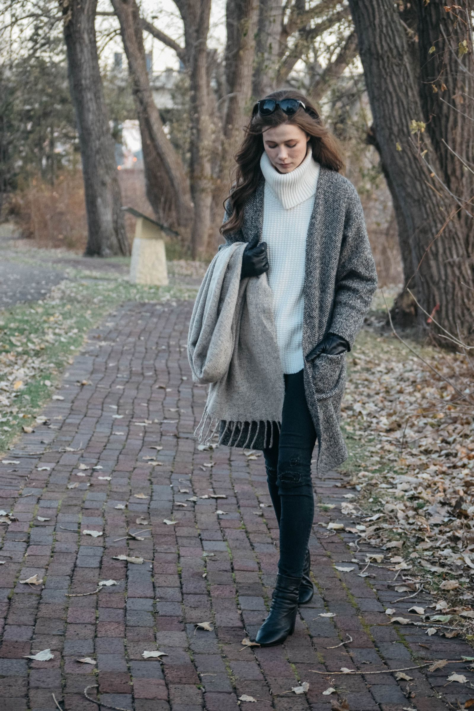 UNIQLO, sweater coat, how to style, winter fashion, topshop, topshop boots, white house black market, whbm, whbm denim, neutrals, winter fashion 2017, monochrome minimalist, minimalist fashion, winter trends, layering, target style, turtleneck knits