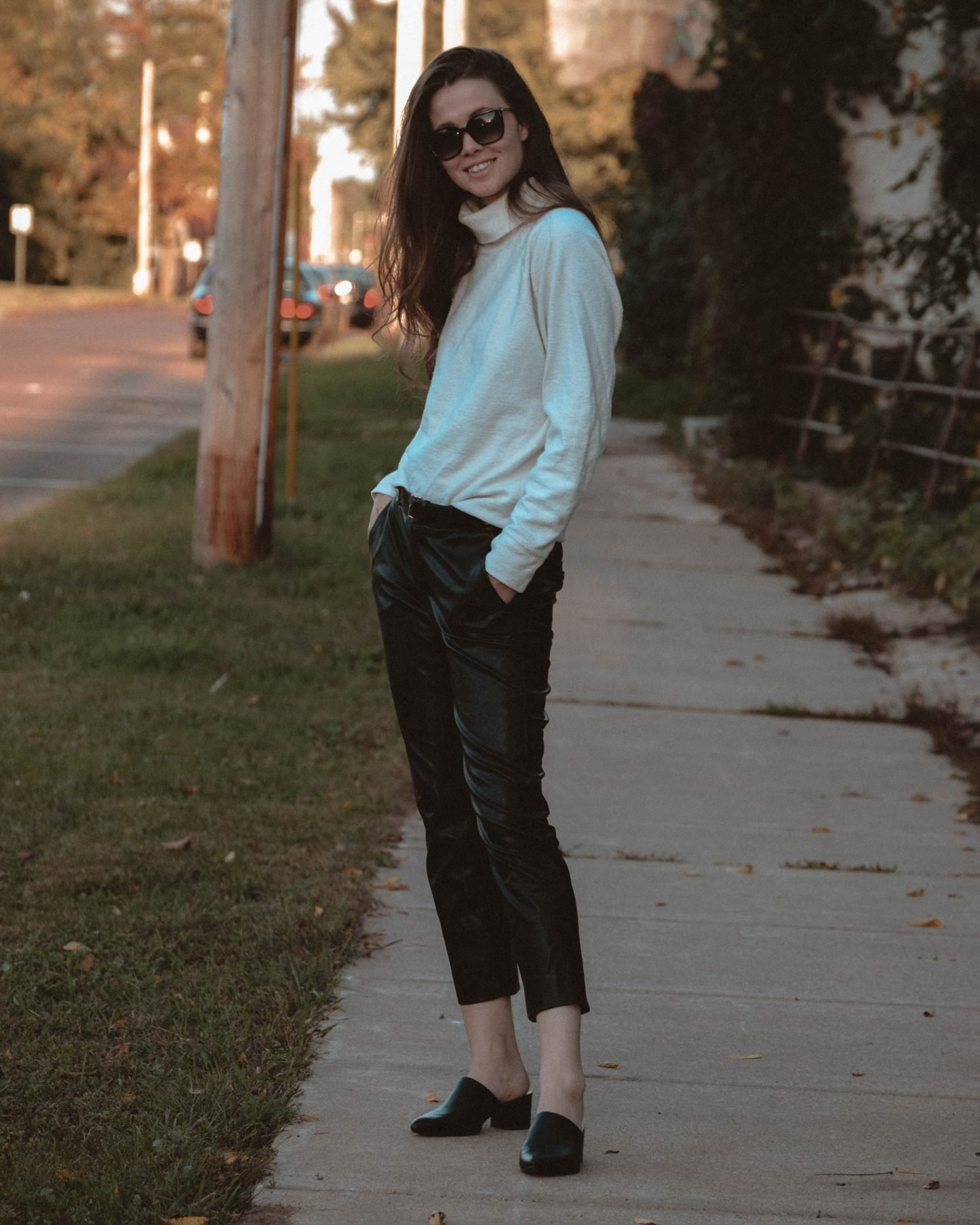 How to Find Personal Style   How to   Monochrome Minimalist   Autumn Fashion