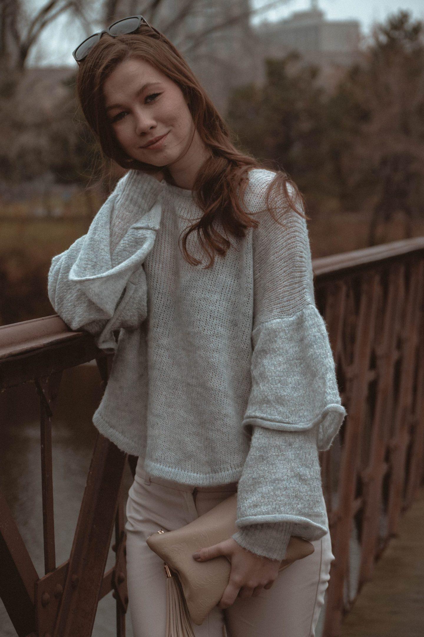Monochrome Minimalist | Amy Lynn Clothing | London | UK | Workwear | Workwear trends | Floral Midi Skirt | Ruffled Knit | Sweater
