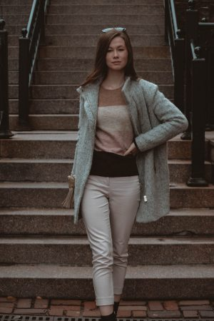 Monochrome Minimalist | Colour Block Sweater | H&M | Questions