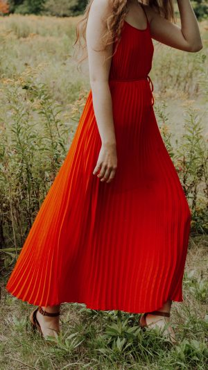 red pleated maxi dress, autumn trends 2019